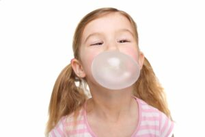 kids chewing gum